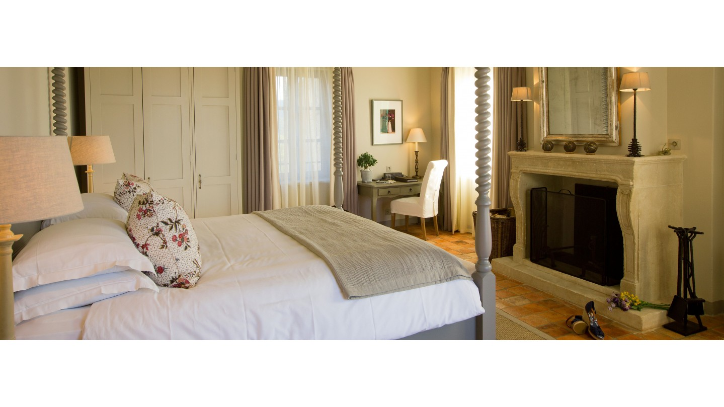 h tel crillon le brave hotel vaucluse provence smith hotels. Black Bedroom Furniture Sets. Home Design Ideas