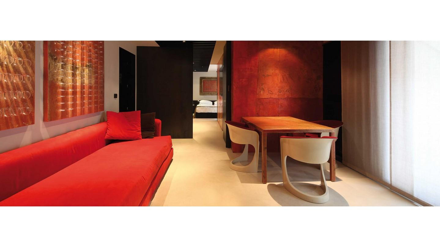 Straf Hotel & Bar