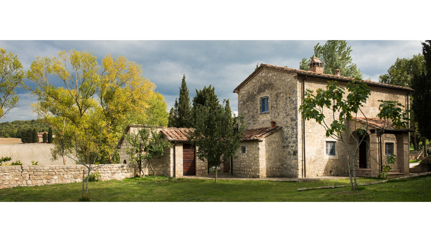 Borgo pignano cottage casa del lago luxury villa in for Planimetrie della casa del cottage