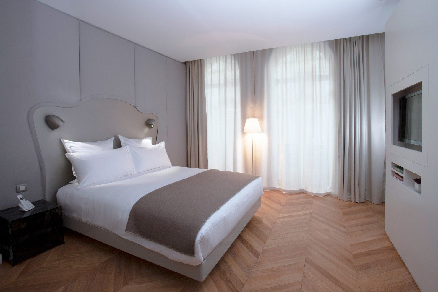 Nell Hotel & Suites | Paris | Smith Hotels