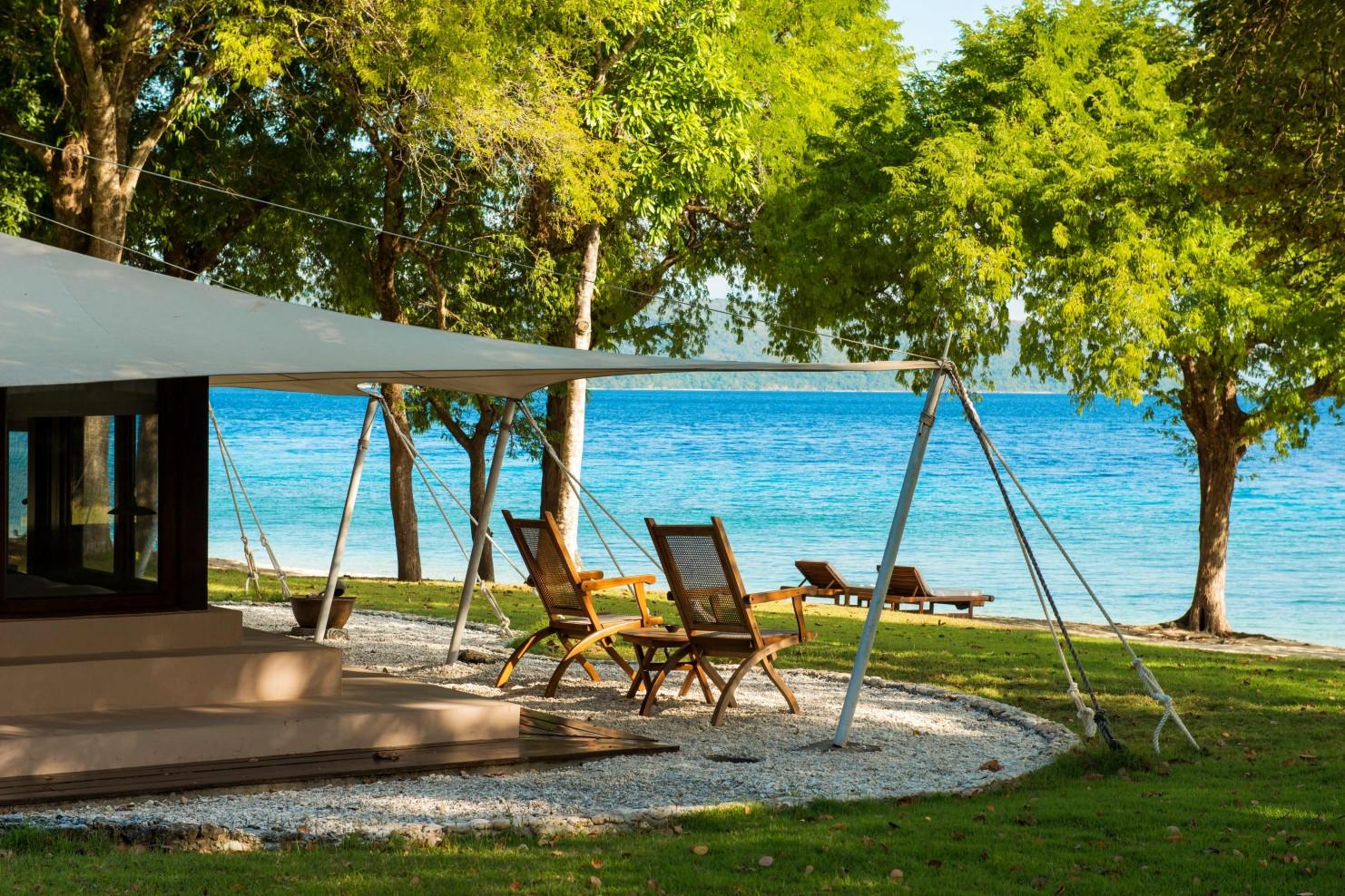 amanwana hotel moyo island smith hotels rh mrandmrssmith com