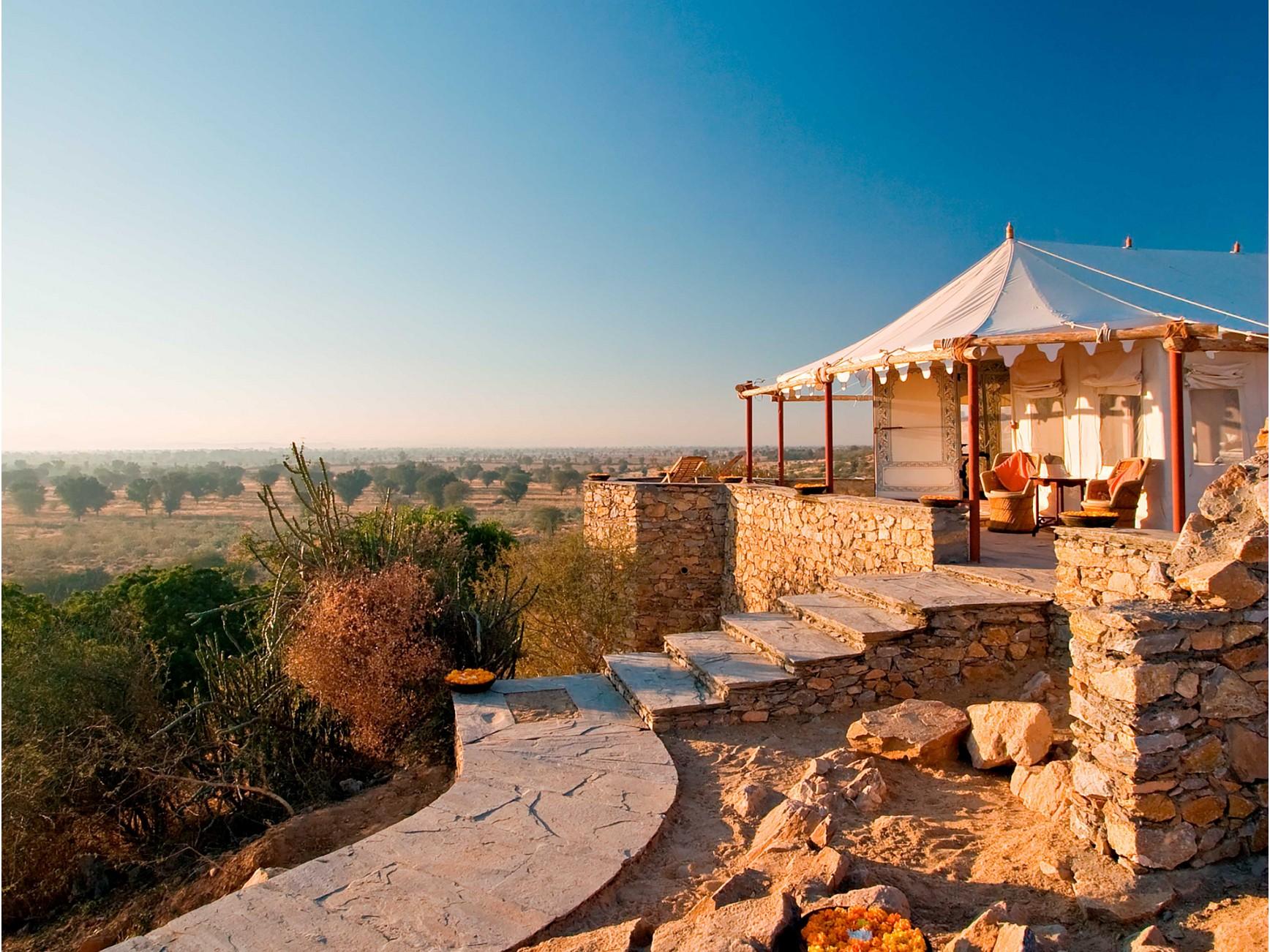 Rooms, luxury tents & suites at Raas Chhatrasagar - Rajasthan