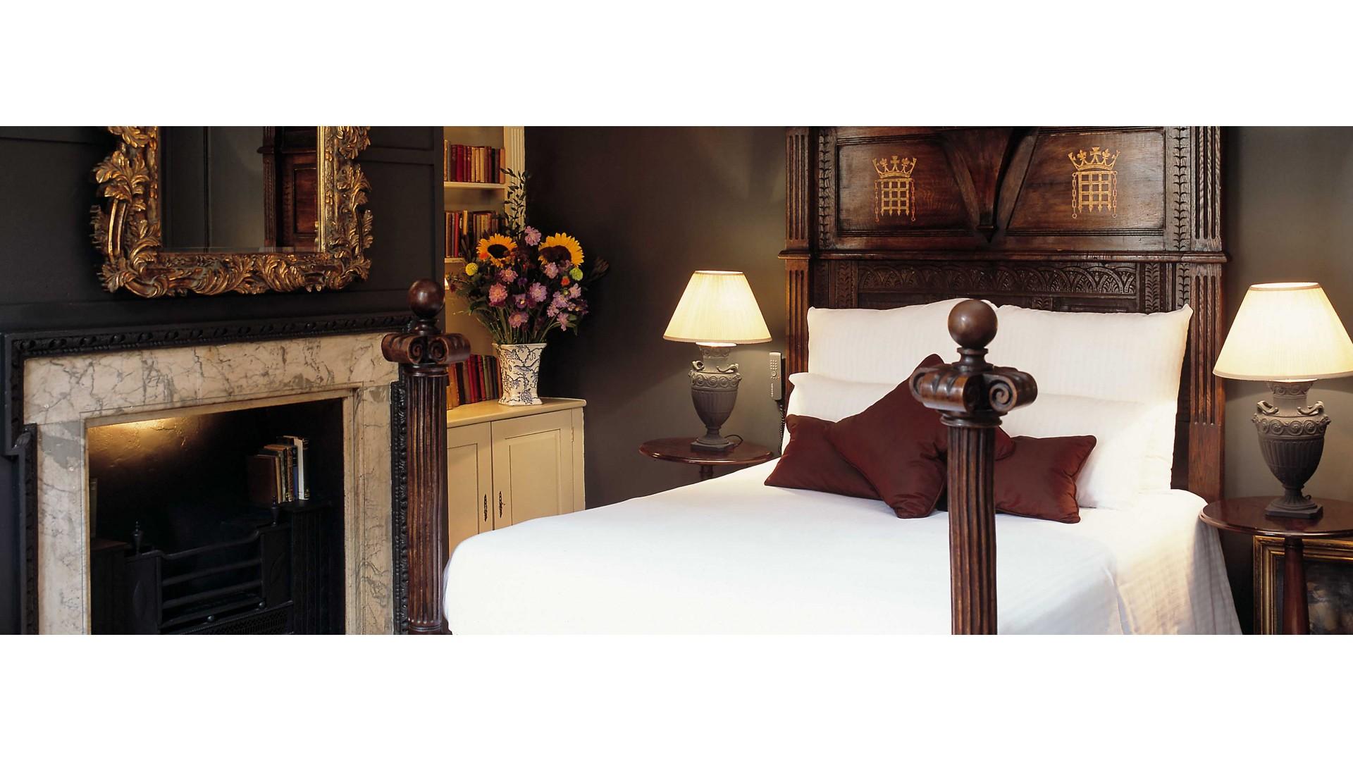 Hazlitts hotel soho london england smith hotels hazlitts gumiabroncs Choice Image