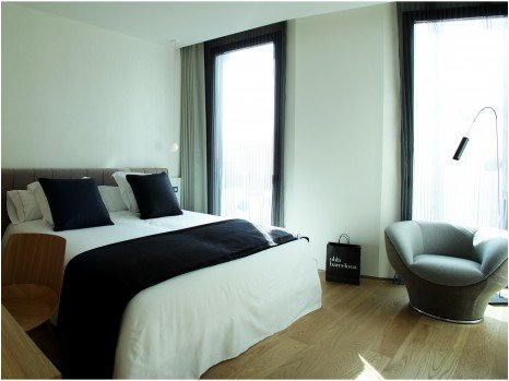 rooms suites at ohla barcelona hotel las ramblas barcelona smith hotels. Black Bedroom Furniture Sets. Home Design Ideas
