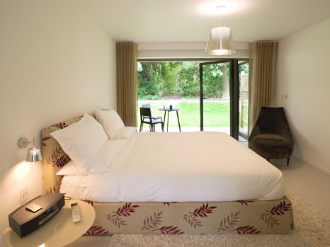 rooms suites at tuddenham mill hotel tuddenham suffolk england outside london smith hotels. Black Bedroom Furniture Sets. Home Design Ideas