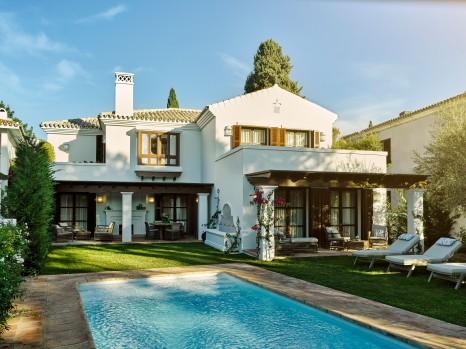 Photo of Four Bedrooom Villa with Pool (El Cortijo)