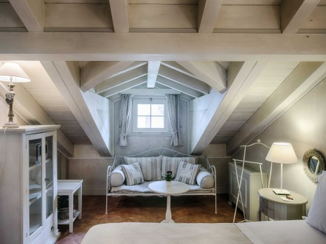 Photo of Attic Lake View Room