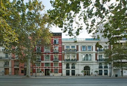 Avenida Navarro Reverter, 14-16, Valencia, 46004, Spain