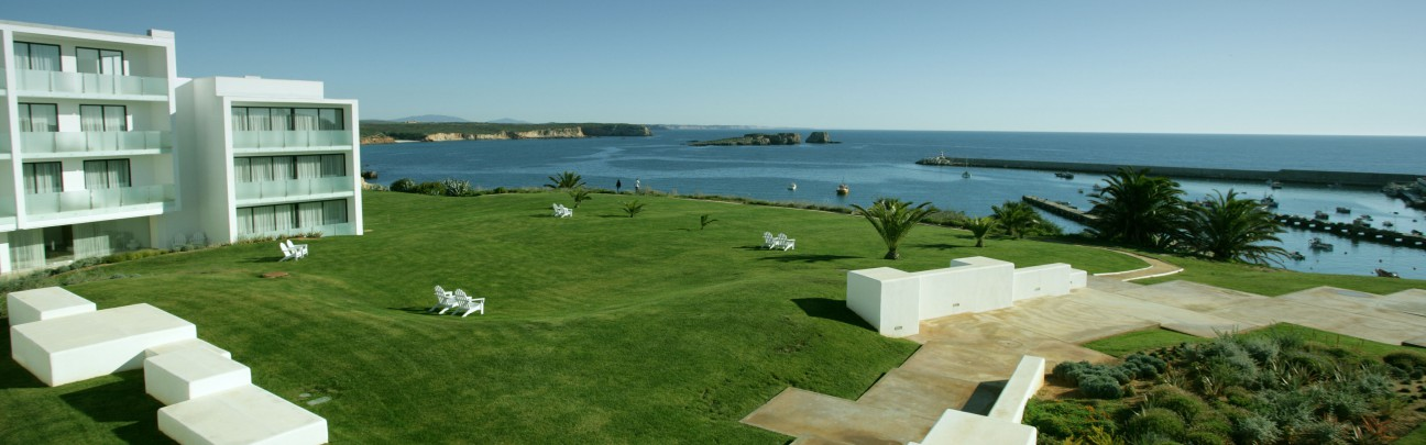 Memmo baleeira sagres portugal mr mrs smith for Design boutique hotels algarve
