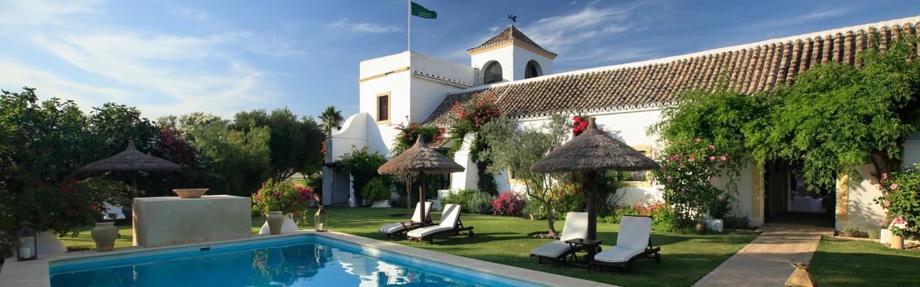 Hacienda de san rafael hotel las cabezas de san juan - Swimming pool seville ...