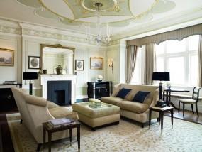 One-Bedroom Grosvenor Suite
