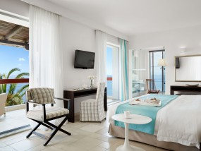 Junior Suite Sea Front with Jacuzzi