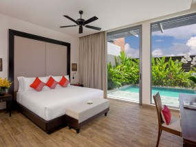 Three Bedroom Connecting Double Pool Residence