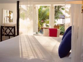 Oceanfront King Patio Room