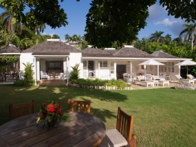 Deluxe Three-Bedroom Villa (with private pool)