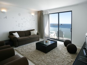 Two-Bedroom Memmo Suite - Frontal Sea View