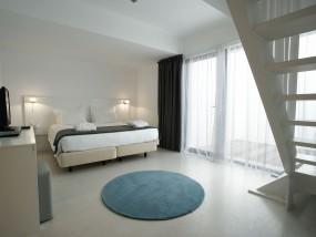 Duplex Suite - Land View