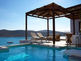 Premium One-Bedroom Suite with Private Pool (Sea View)