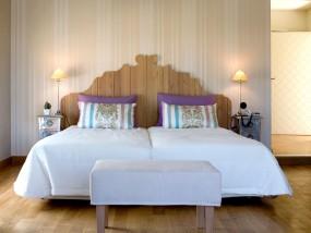 Premium One-Bedroom Suite with Outdoor Jacuzzi (Garden View)