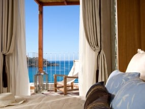 Family Suite with Outdoor Jacuzzi (Sea View)