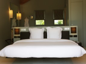 Villa Toscane Contemporary Terrace Room