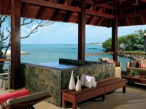 Three-Bedroom Prestige Suite Sea View