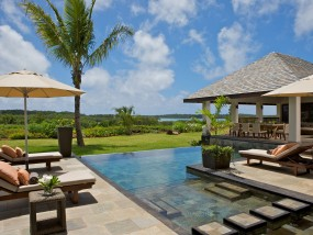 Four-Bedroom Prestige Villa Golf View
