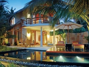 Double Storey Beach Villa with Pool