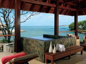 One-Bedroom Prestige Suite Sea View